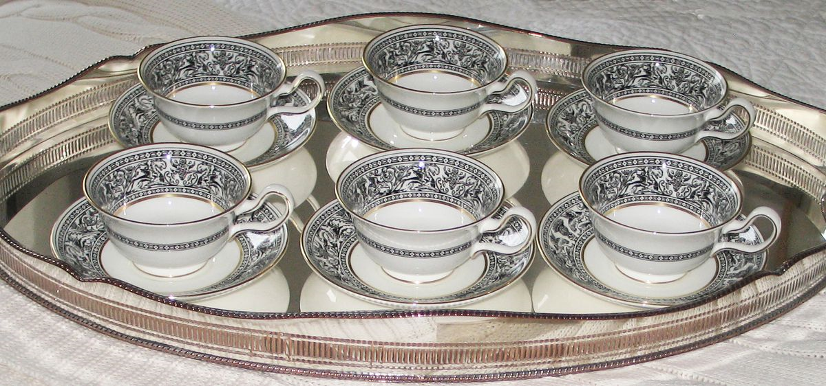 Large oval silver plated vintage tray. Photo by Alison for Silver and Grey & vintage tableware cutlery china glass homeware: Silver Trays