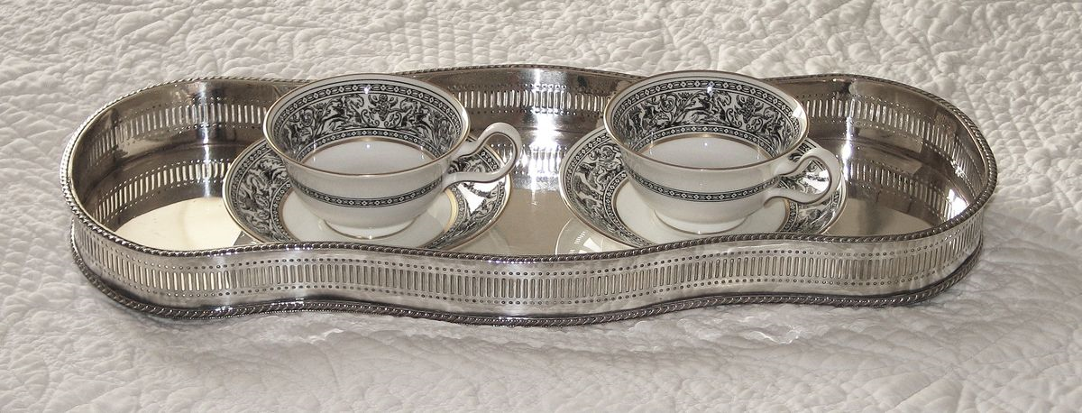 Curved rectangular silver plated vintage tray. Centrepiece tray. Photo by Alison for & vintage tableware cutlery china glass homeware: Silver Trays